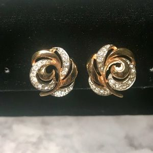 Jewelry - Gold Toned Diamond Stimulated Clip on Earrings